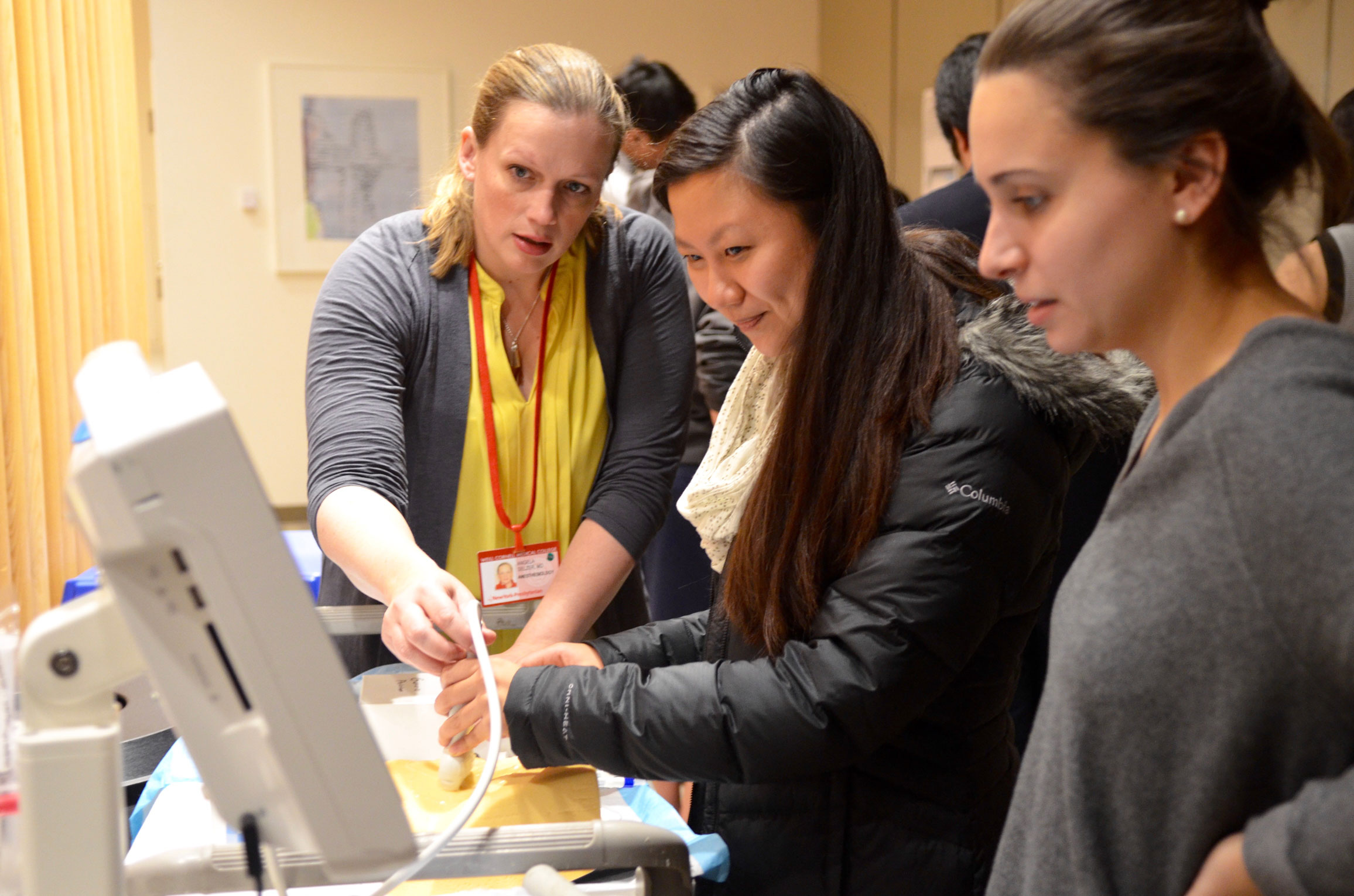 Hands-on Ultrasound Workshop Attracts Medical Students